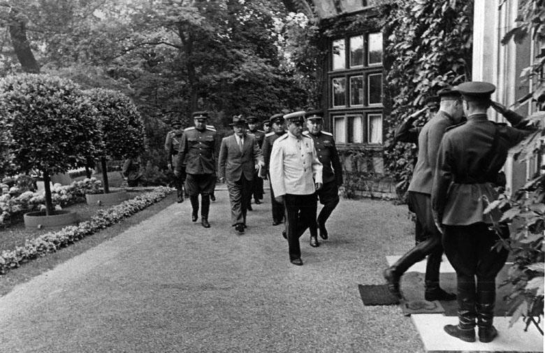 Великая страна СССР,Парад белорусских партизан в Минске 16 июля 1944 года Зайцев Е.А.
